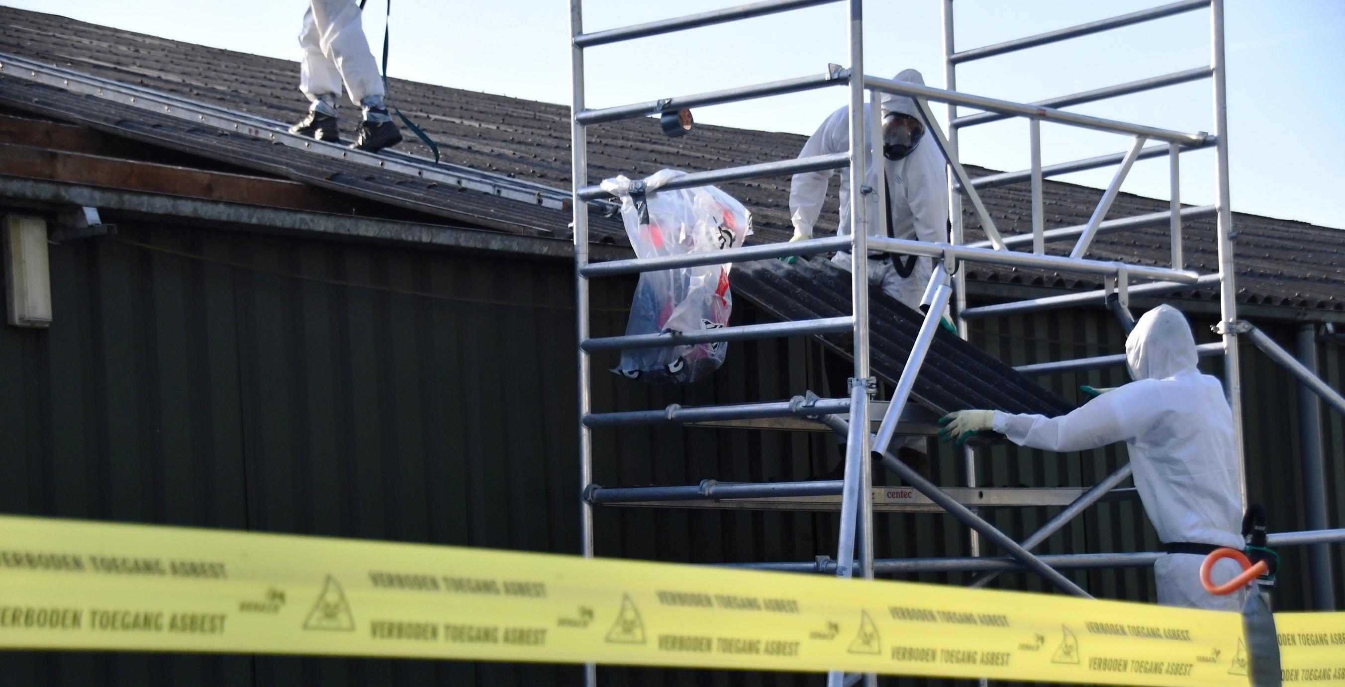 Flory asbestverwijdering saneert asbest golfplaten dak